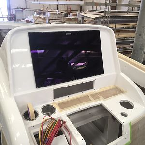 "Simrad 24"" screen profit"